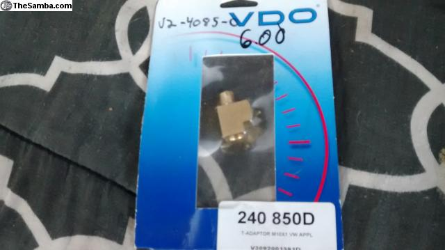 VDO 240-850 Male T-Adapter
