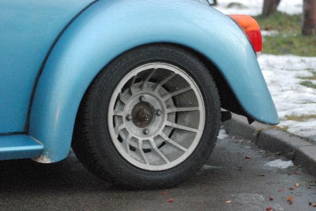 Alloy wheels seen on 1303 S Superbeetle