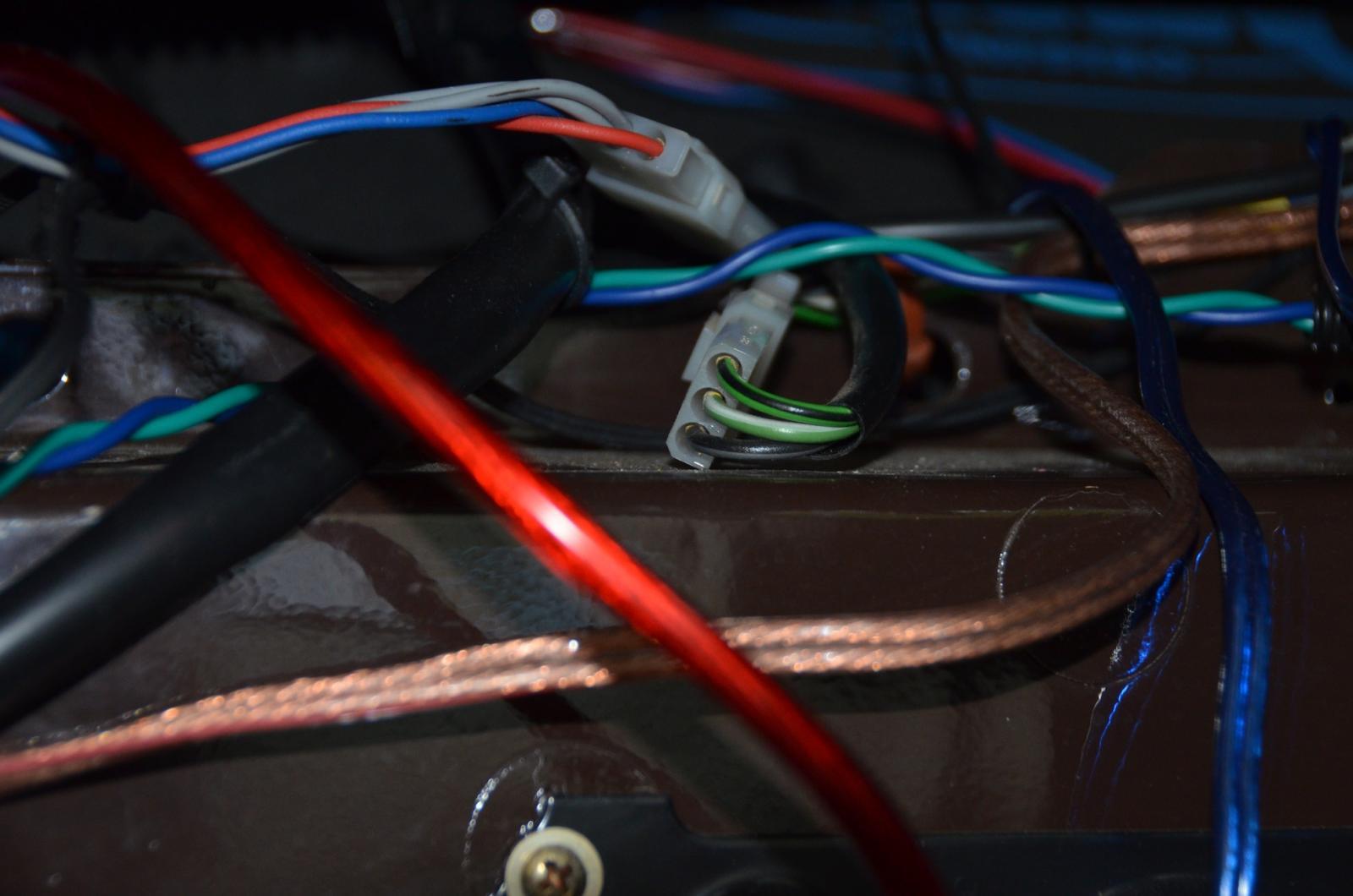 wire & connectors behind glove box