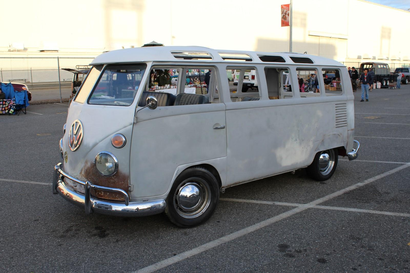 Deluxe Microbus
