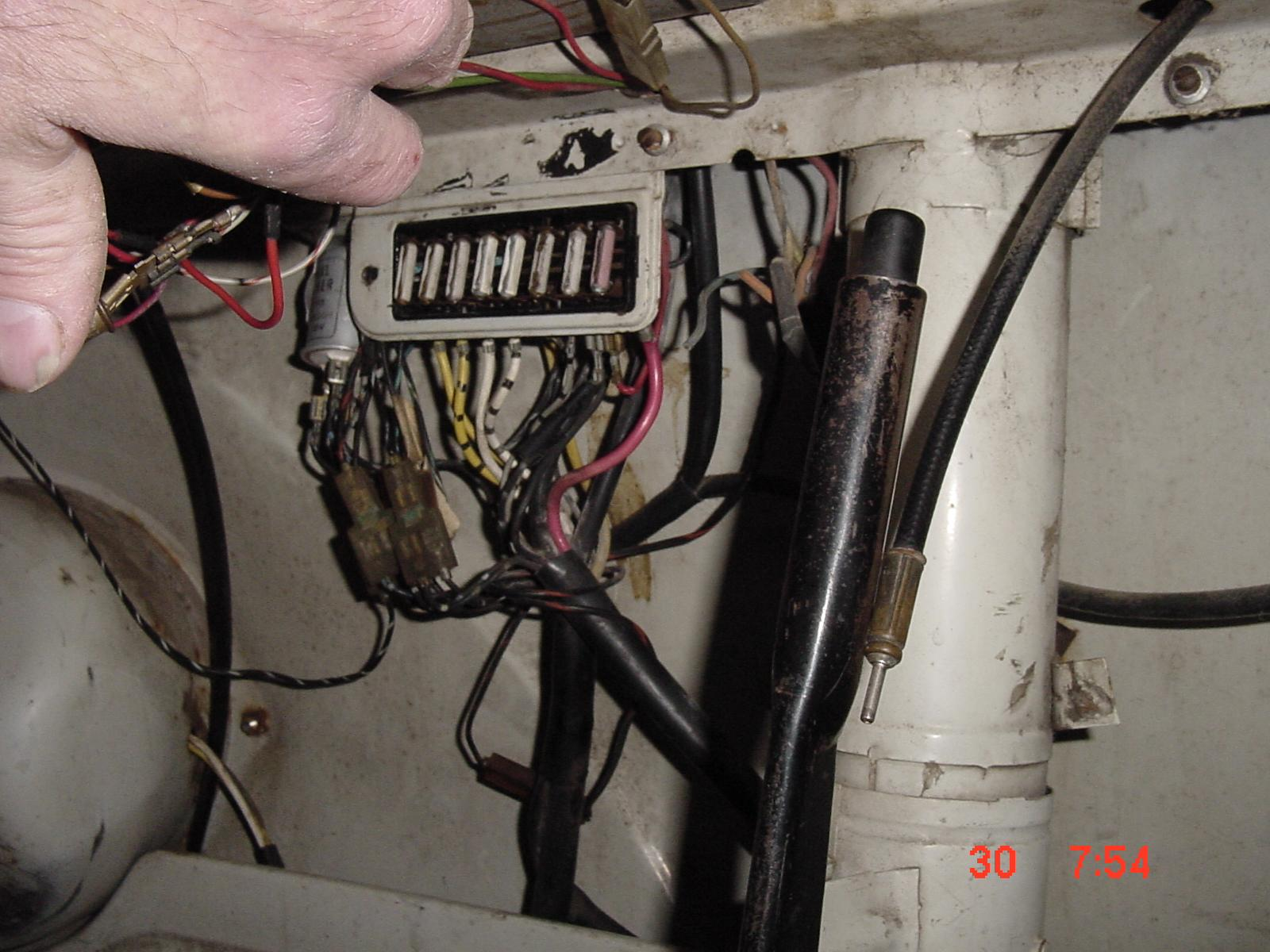 1273383 thesamba com gallery dec 1962 sc type 2 fuse box and wiring vw type 2 fuse box at mifinder.co