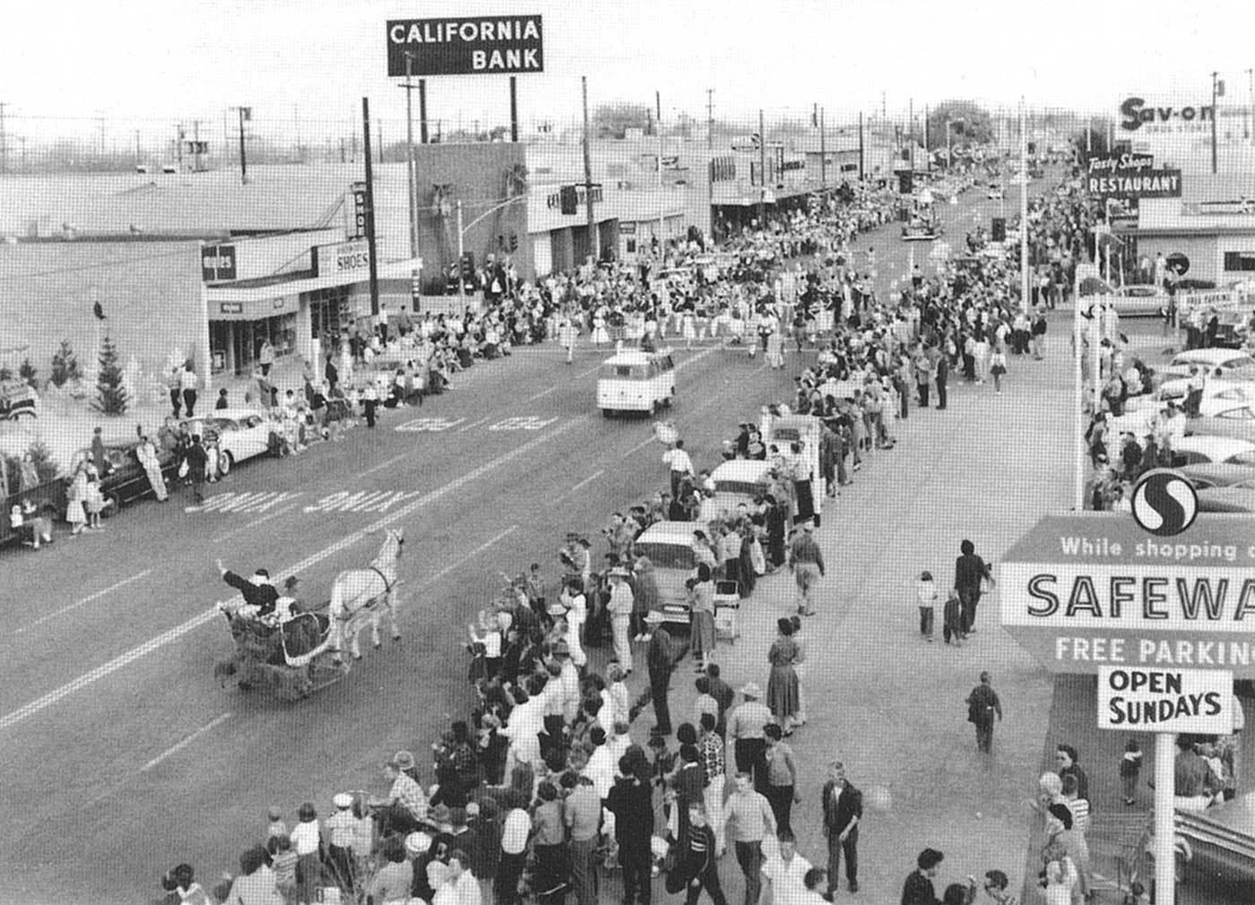 Palm green sand green on lancaster Blvd Circa 1959 Lancaster Ca Christmas parade