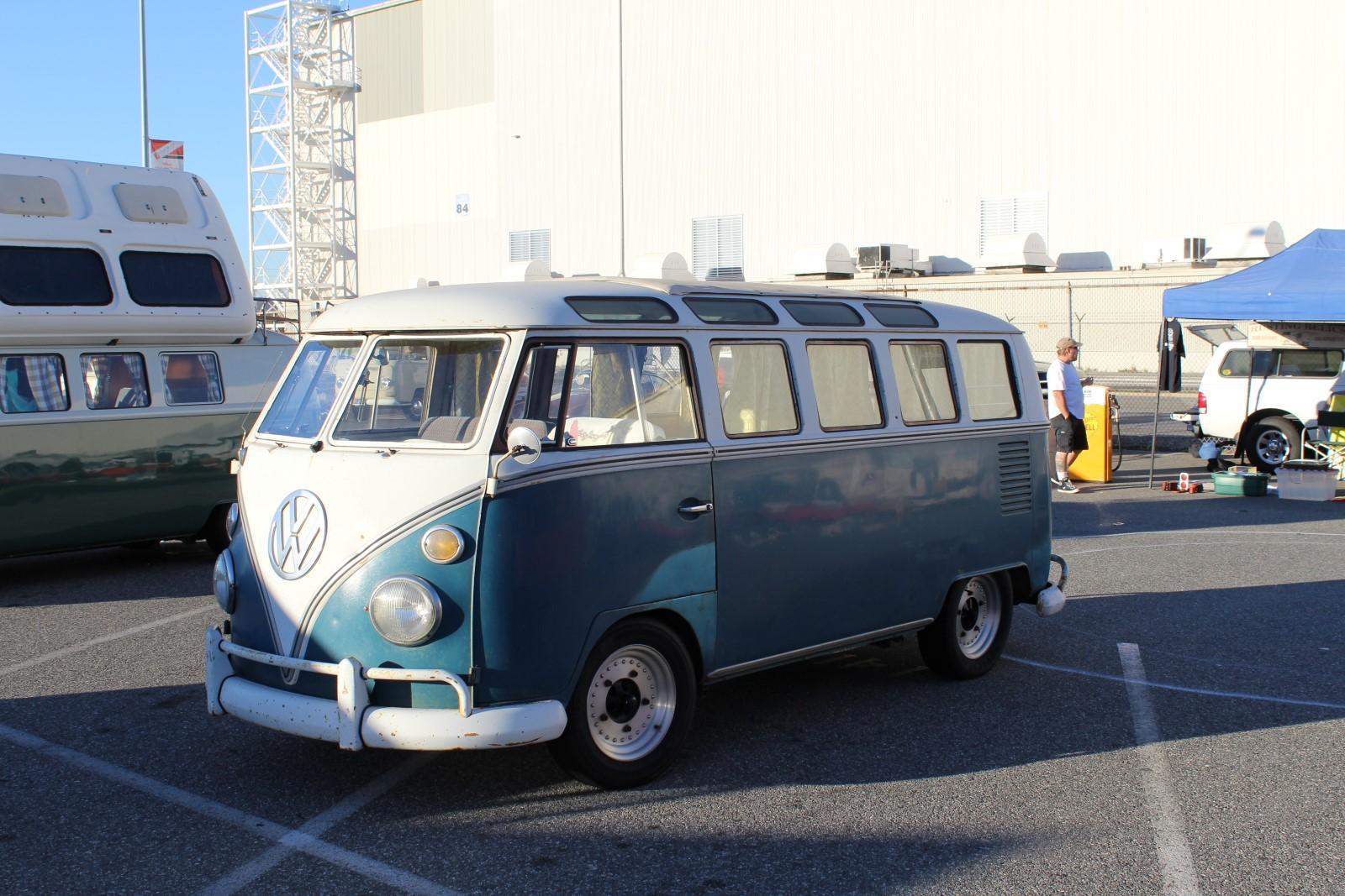 Sea Blue 21-Window Deluxe