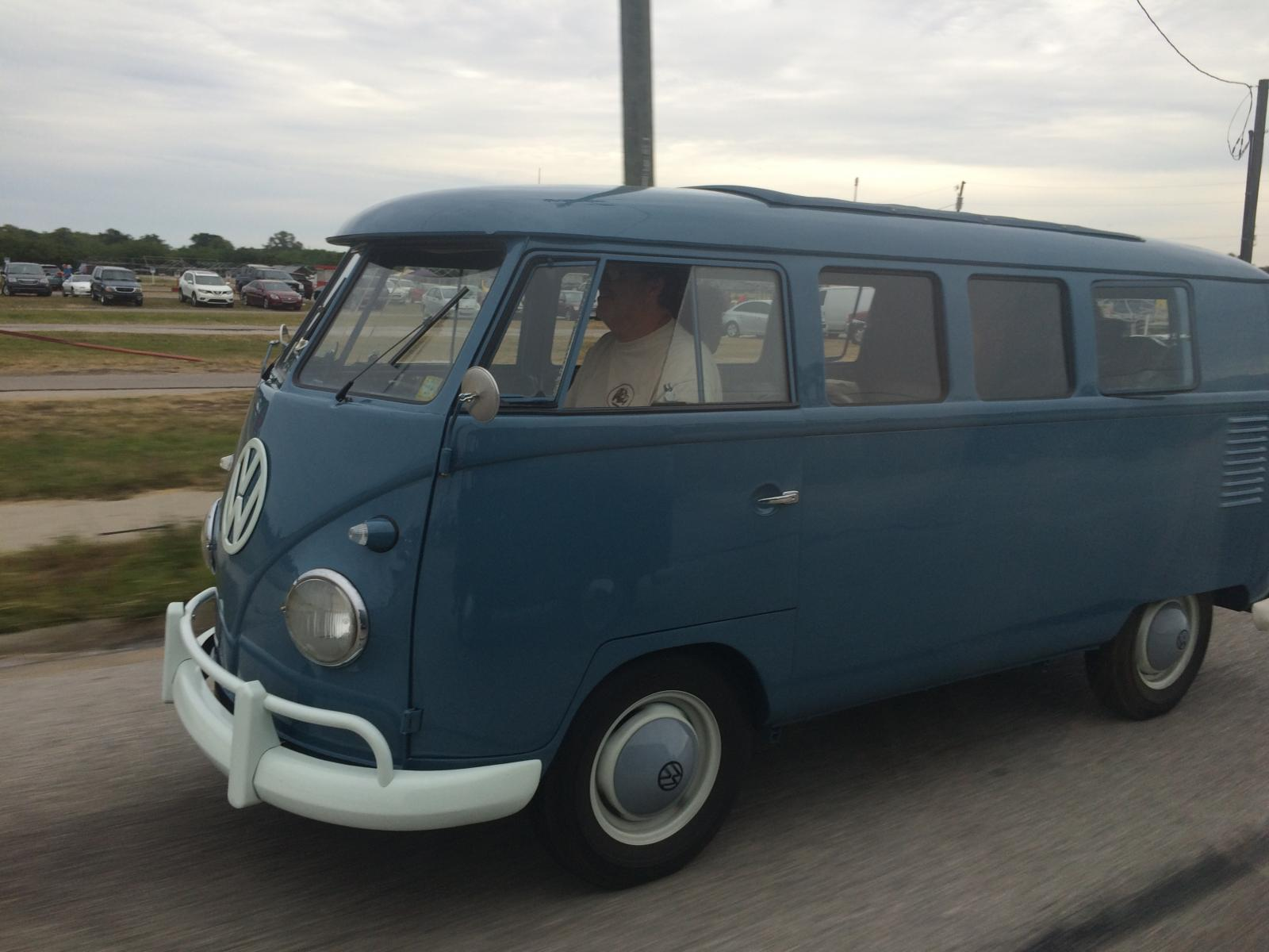 Swivel seat sunroof kombi