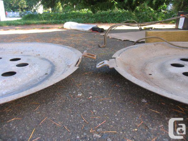 Alloy vs. Steel wheel clamshell.