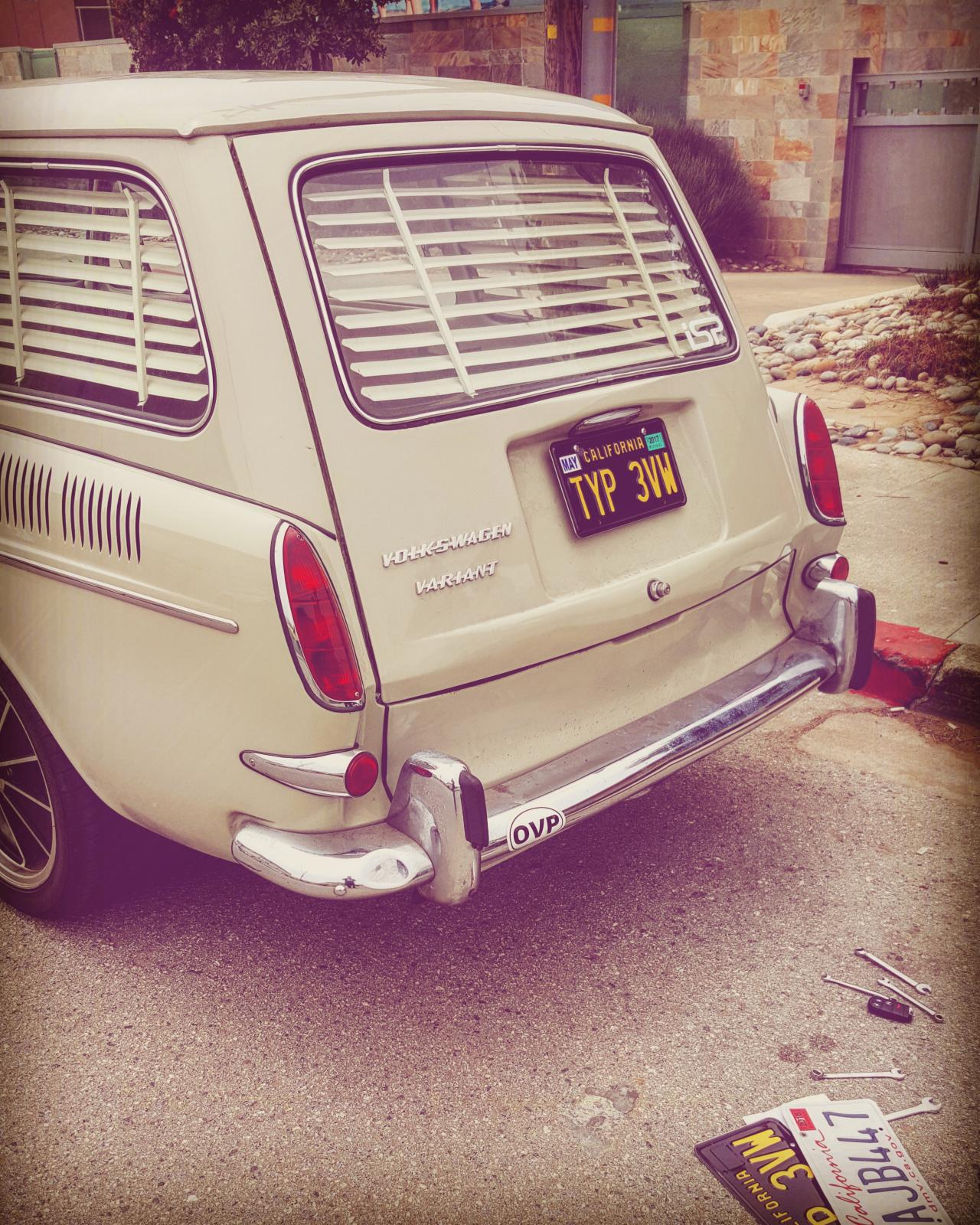 Shades on a 1966 Squareback with 1964 Panama Beige