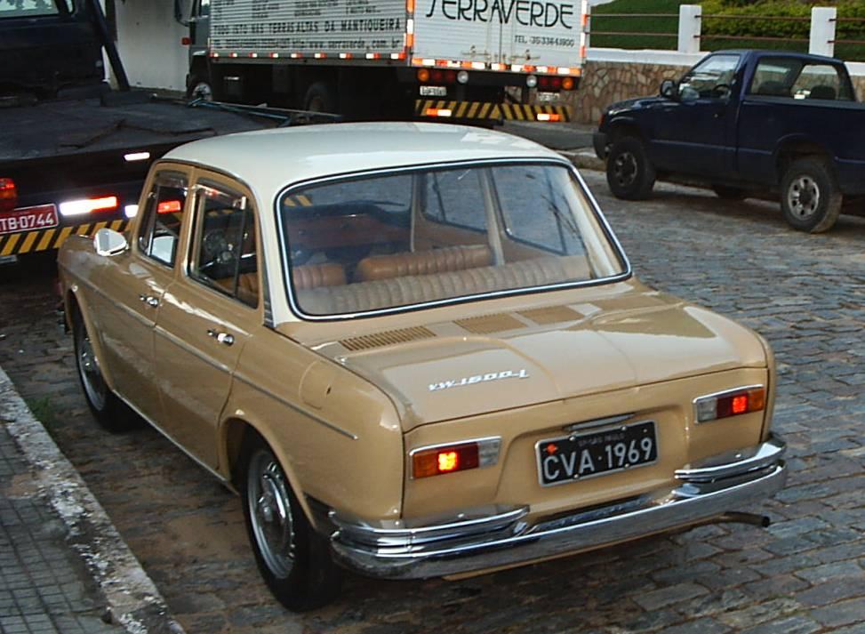 VW Sedan 4 Portas