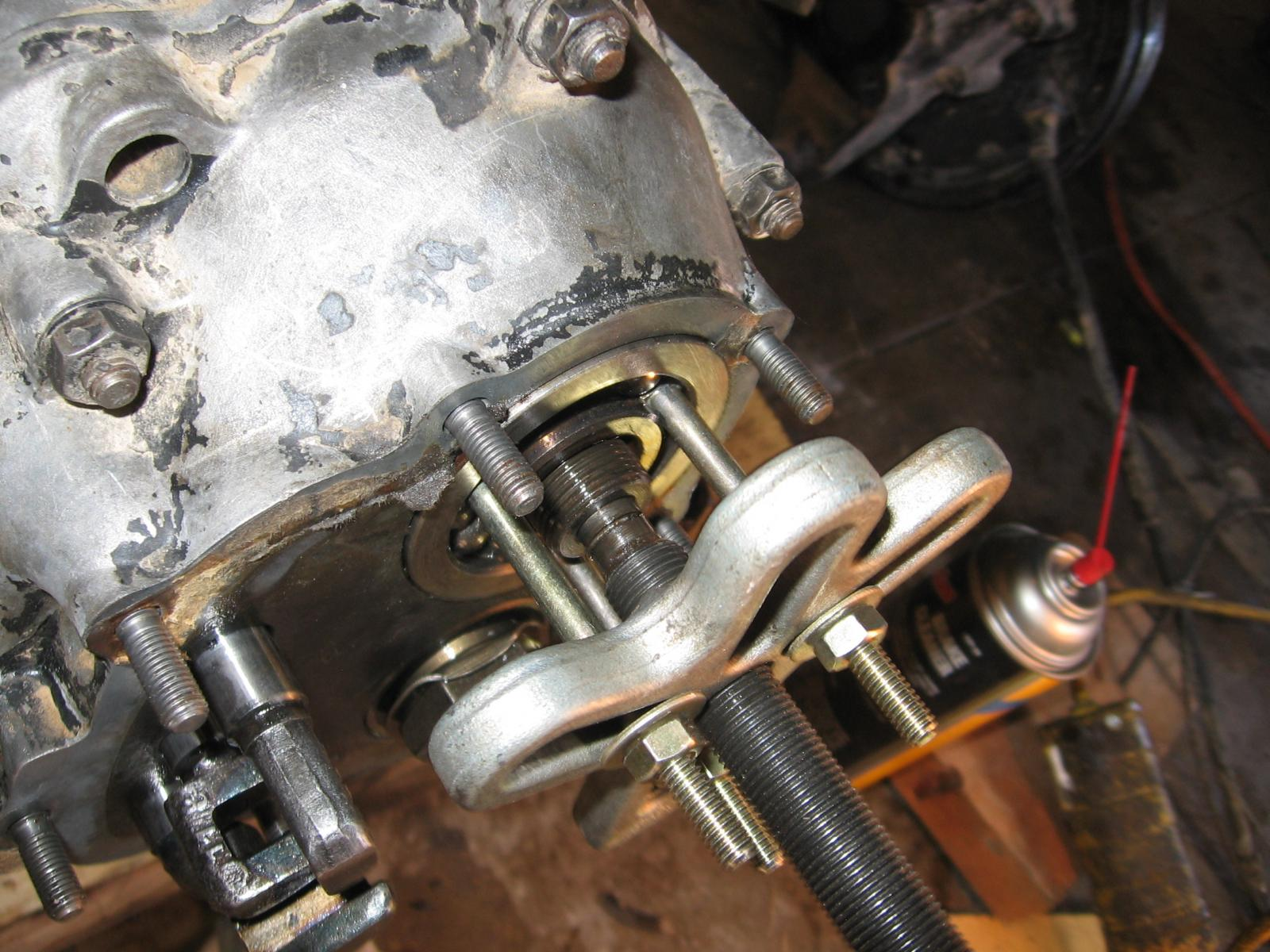 Mainshaft bearing in Bus