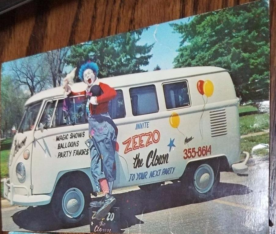 clown bus