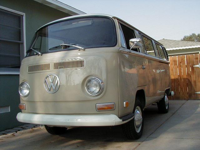 my ol bus. '70 deluxe