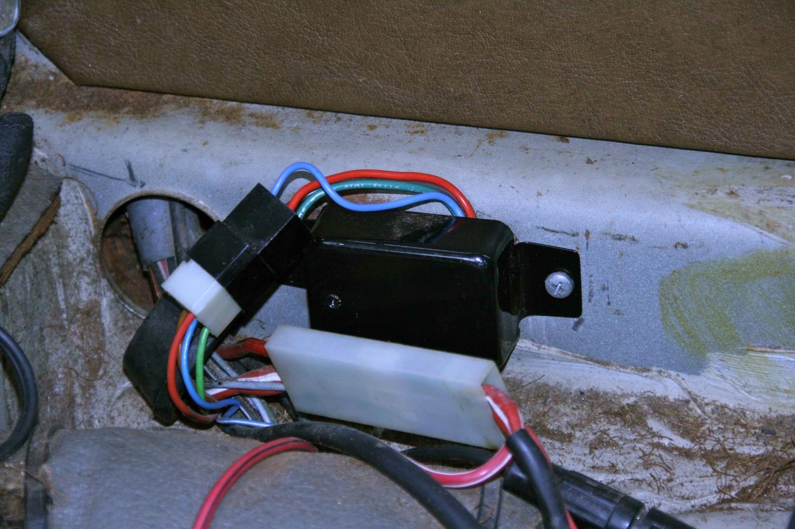 vw bug ghia motorola voltage regulator 73-74 yr 3 prong alternator