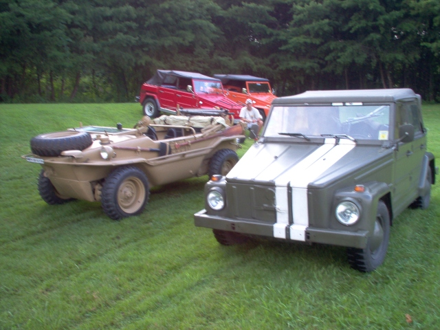 William's 1976 181 beside Schwimmwagen