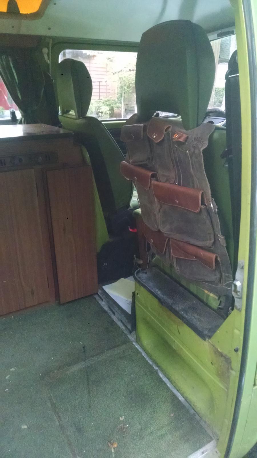 Ketzal in a Bus