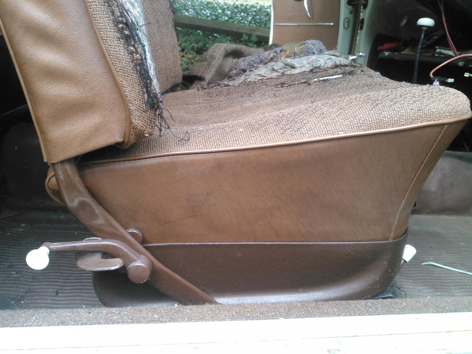 Front Seats in a 66 teak interior bug