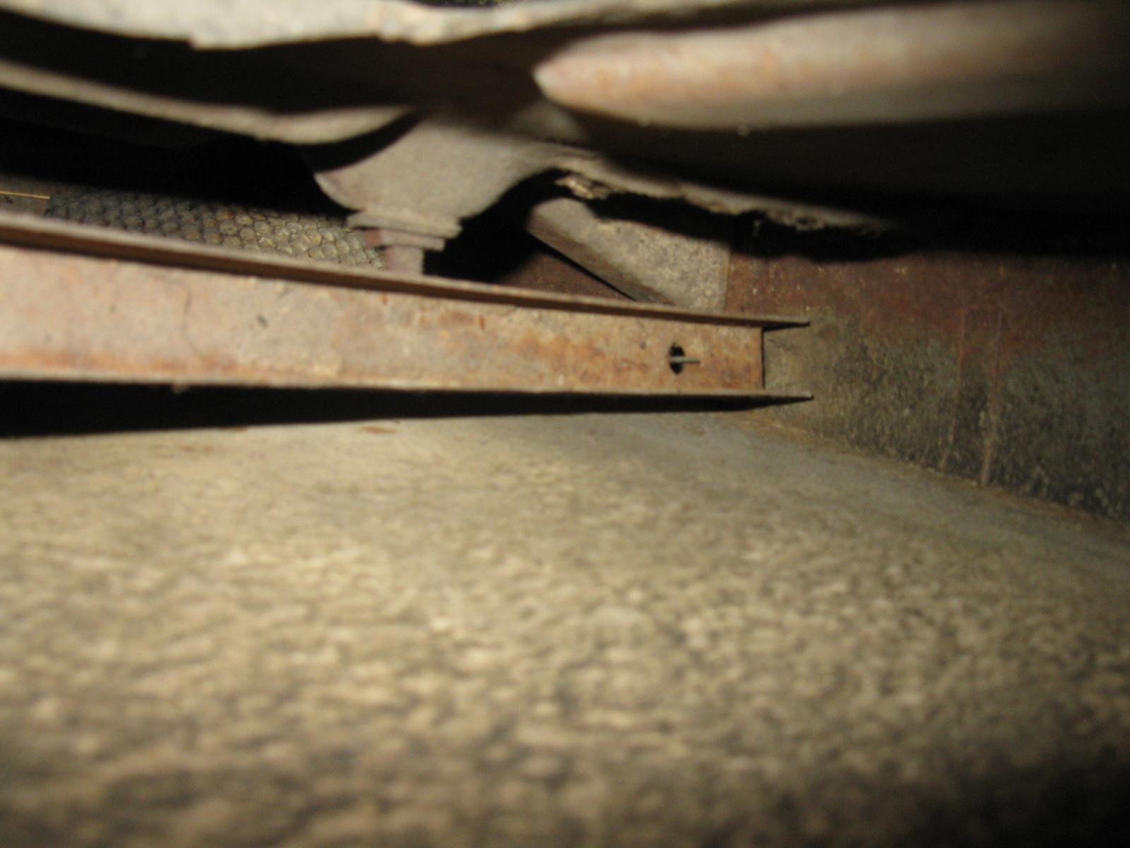 1957 Oval Kabriolett quarter panel moisture drain vents
