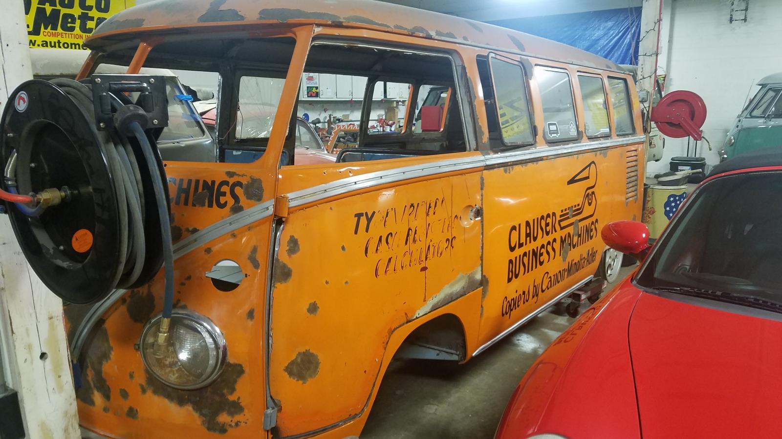 pumpkin bus visit
