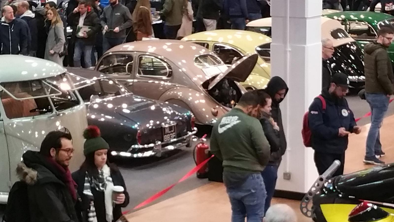 54 RHD UK Ultra maroon oval