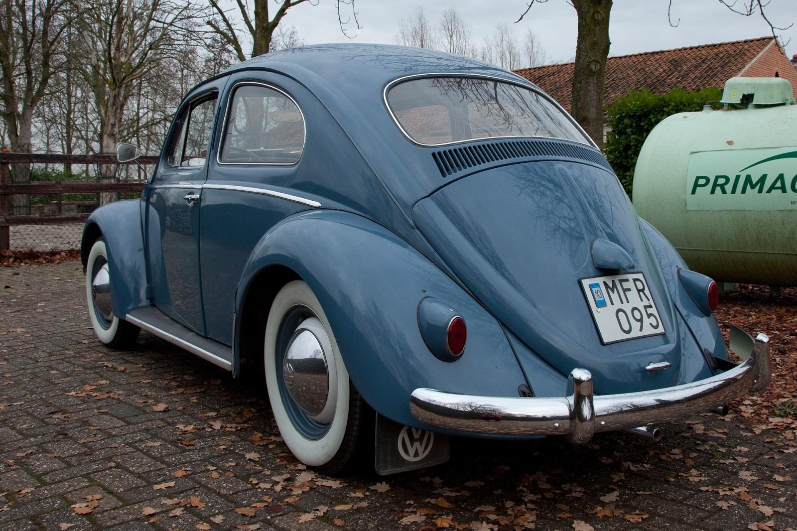 VW Bug Capri Blue L335