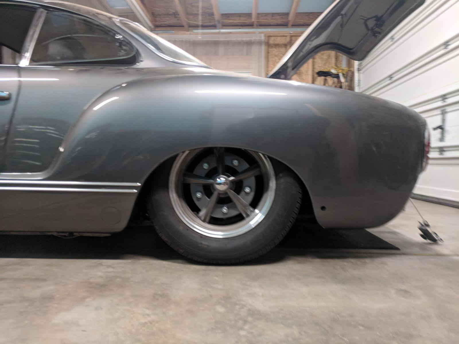 Adjusting the rear spring plates