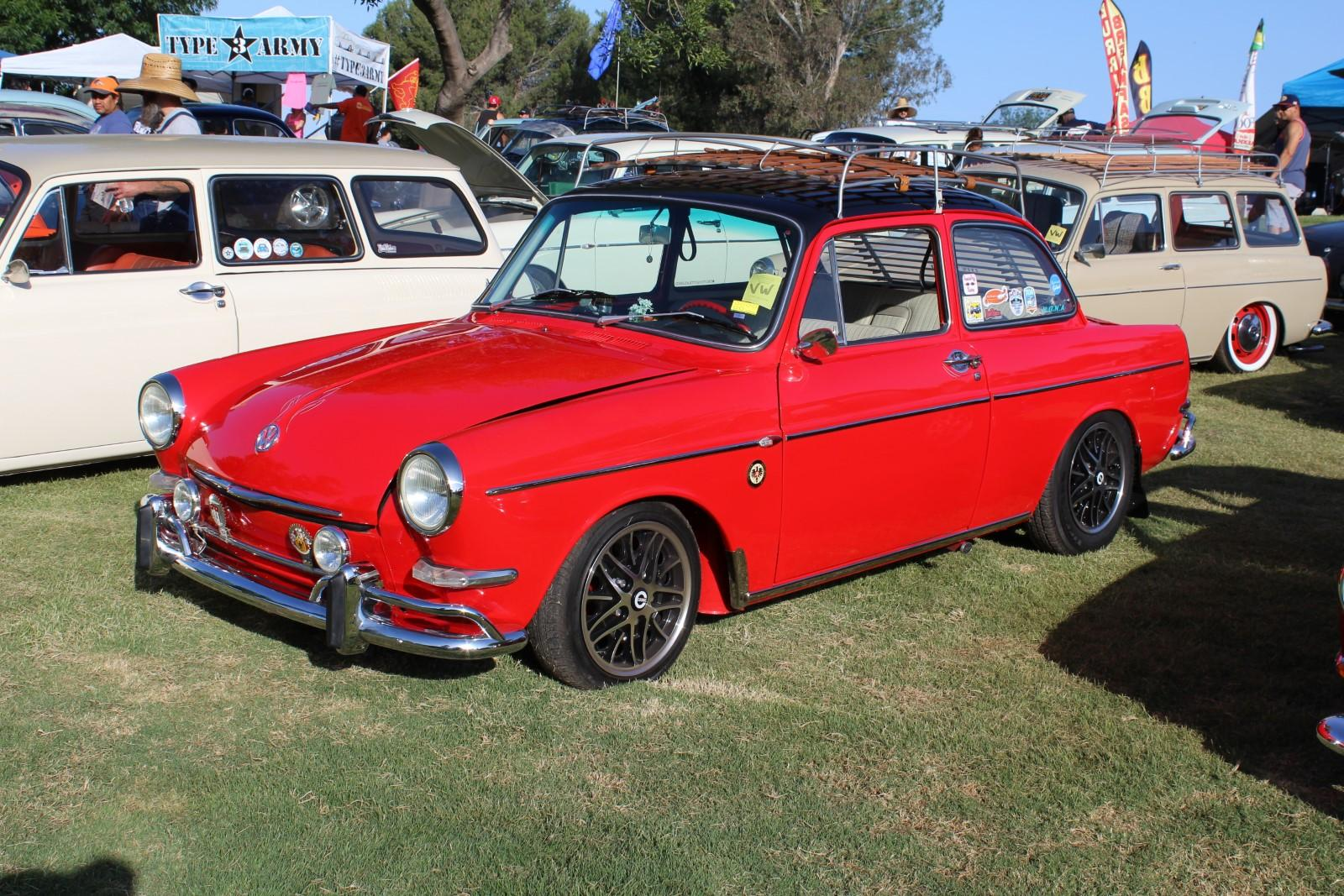 Red Notchback with Black roof