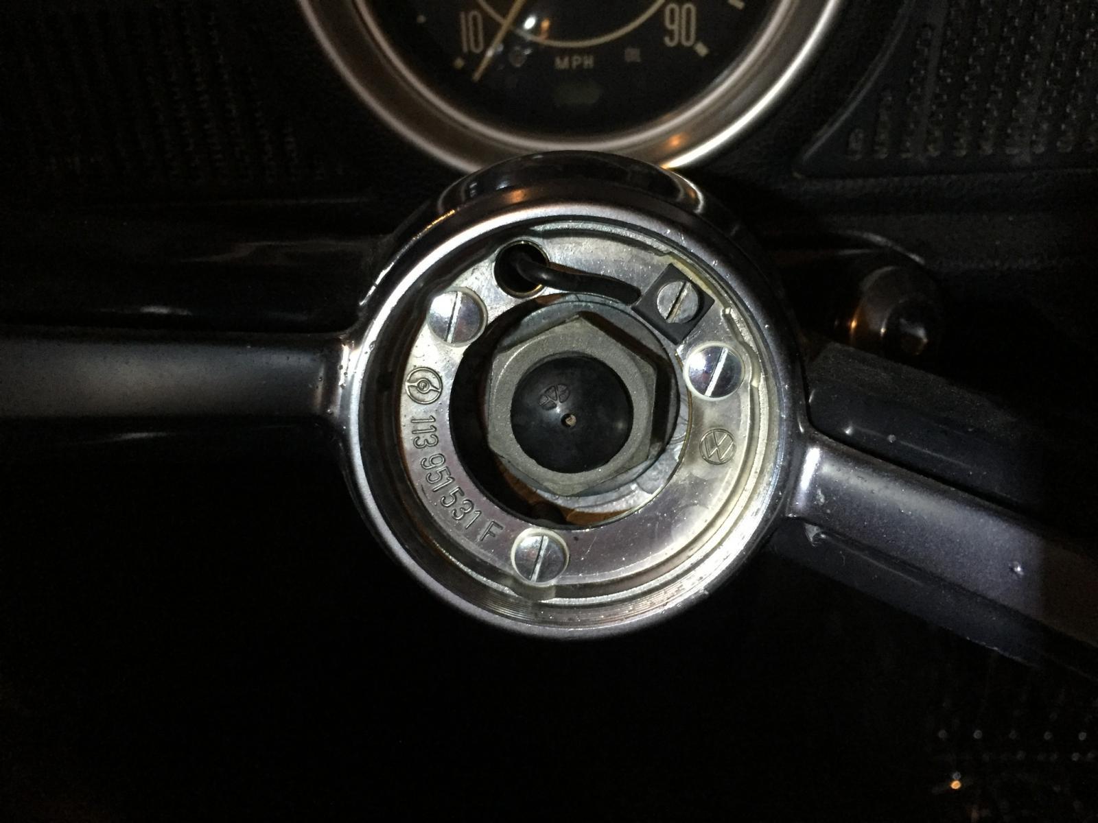 horn ring hub, 1971 Beetle steering wheel