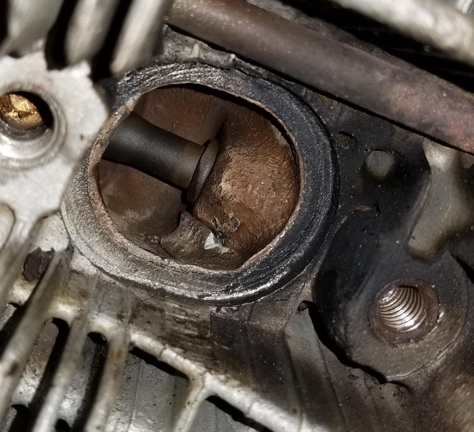 Exhaust port 2.0 AVP head