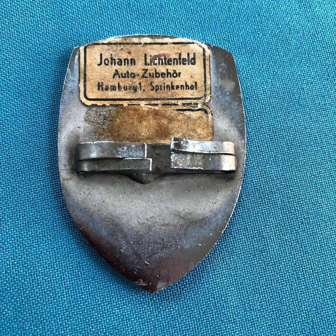 Original Hamburg hood badge