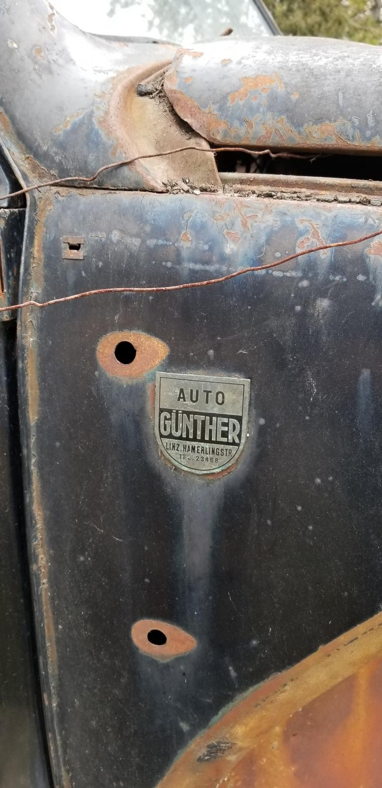 Auto Gunther VW dealership badge