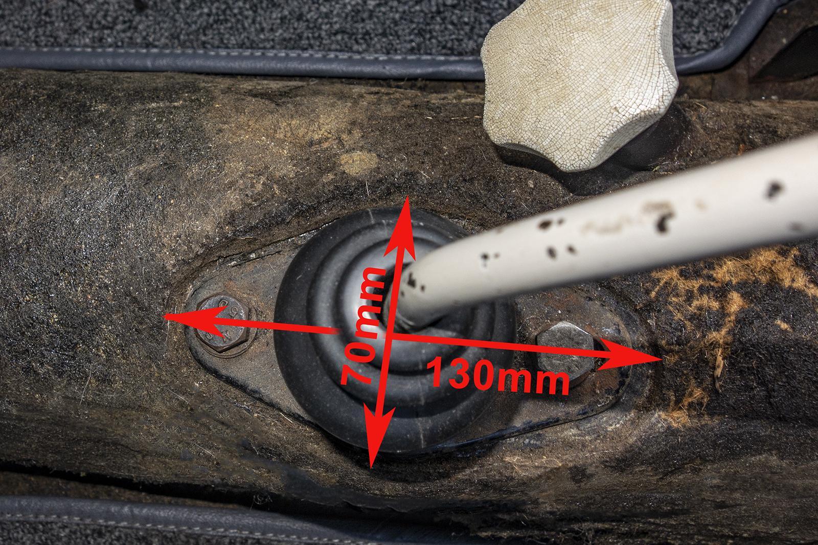 '58 Tunnel Insulation - Gear Lever