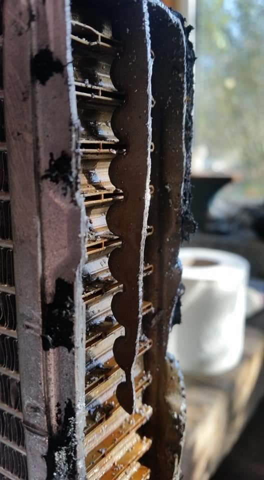 Faulty Vanagon T25 T3 Thermex brand heater core matrix cut open