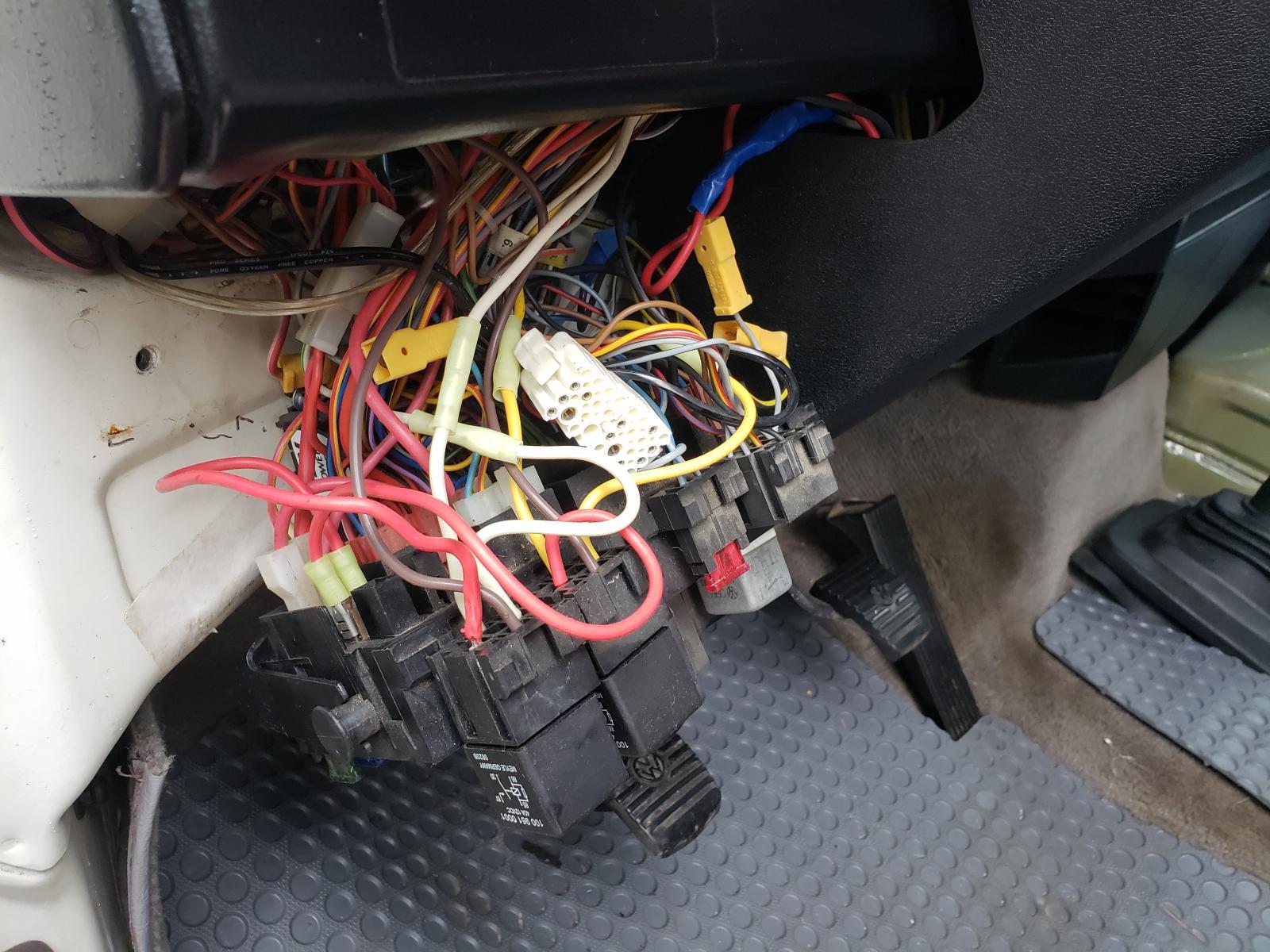 D15 plug location