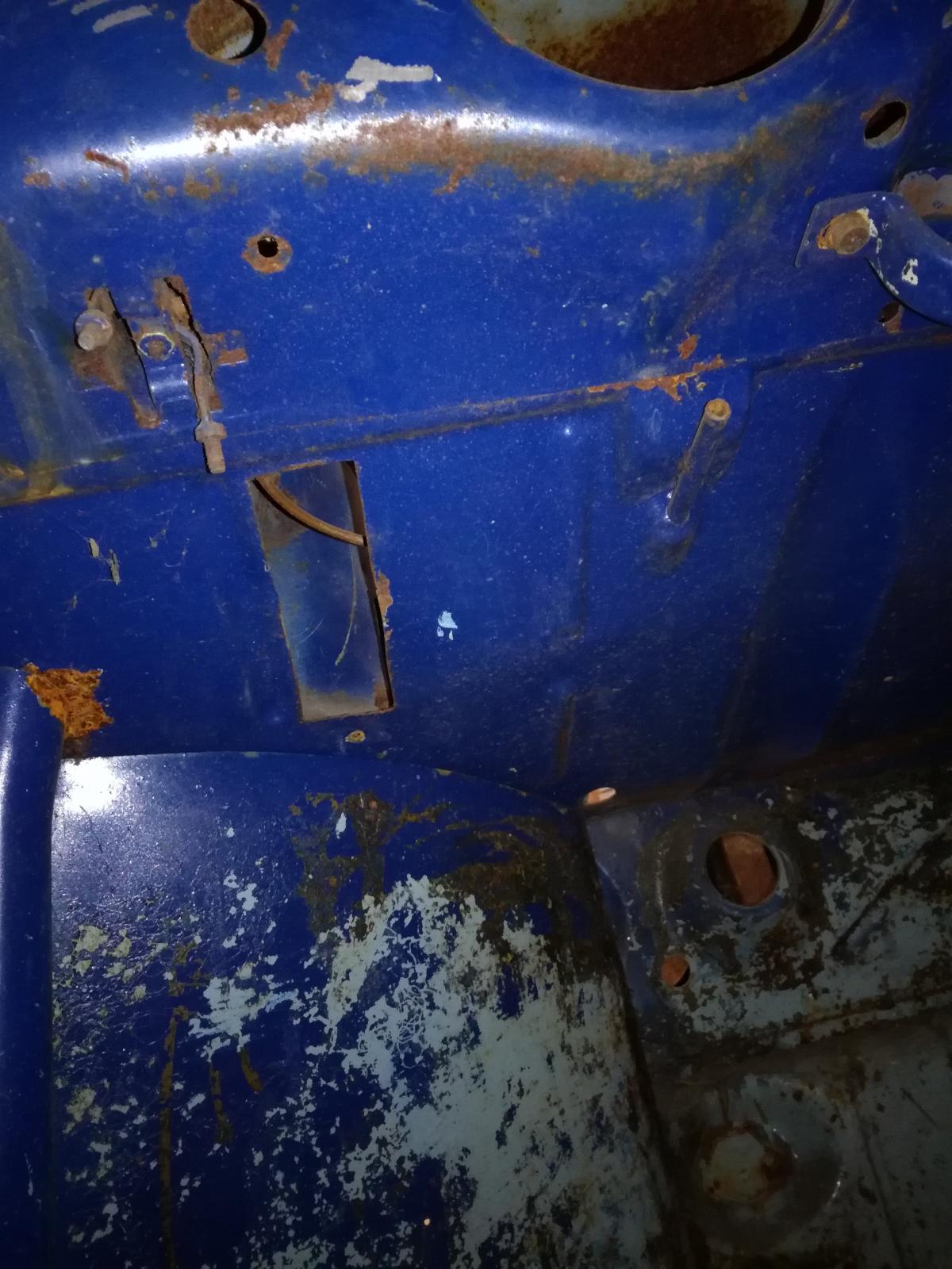 Résurrection de mon 60 strato blue! 1880364