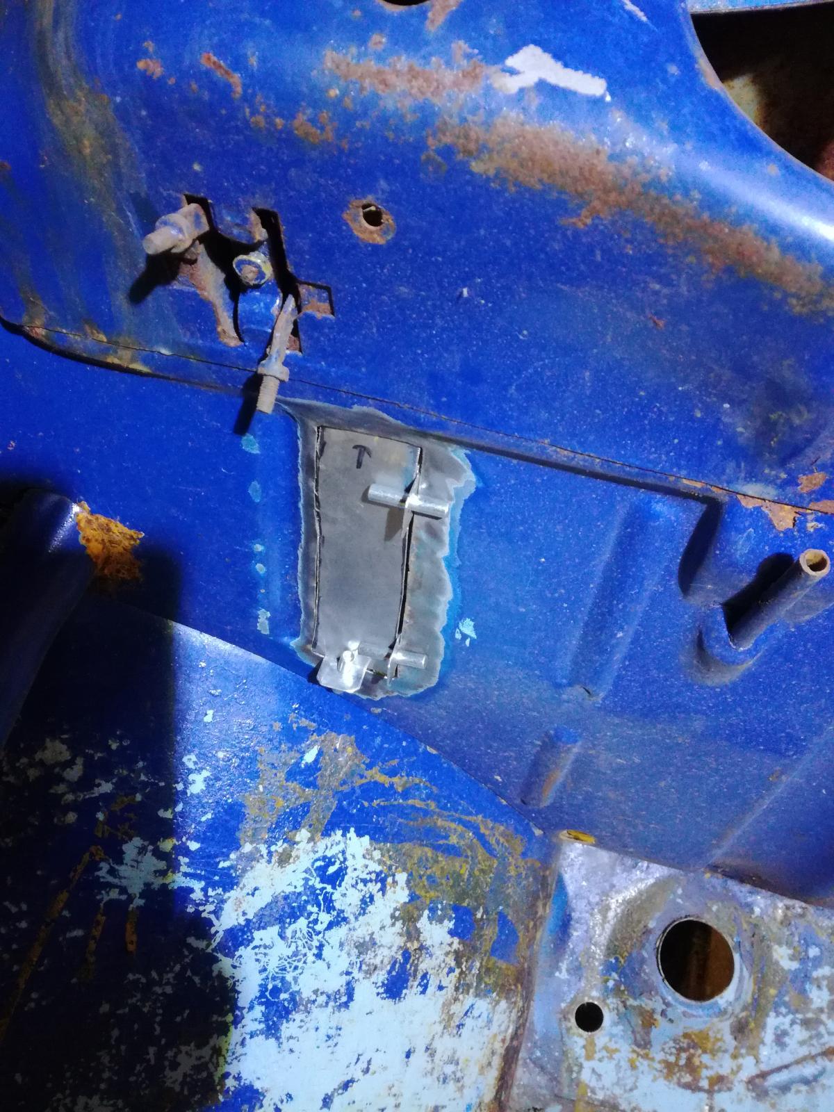 Résurrection de mon 60 strato blue! 1880375