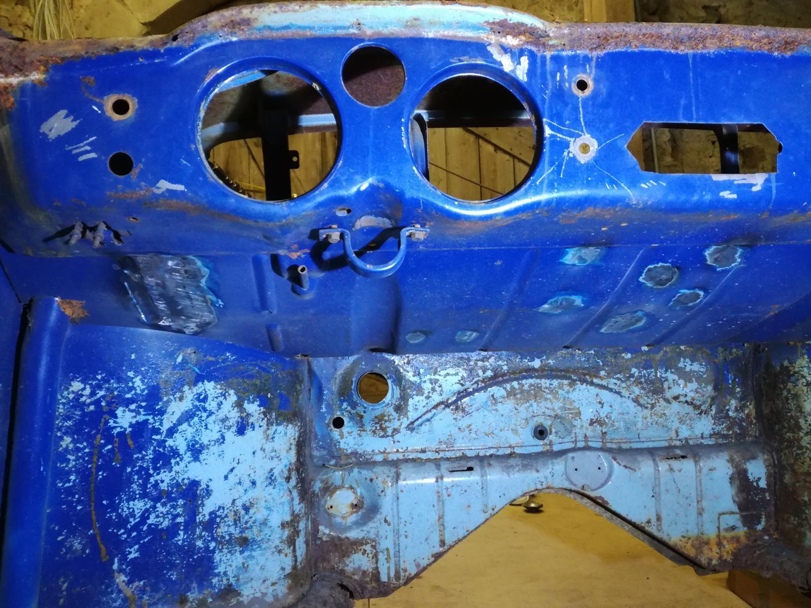 Résurrection de mon 60 strato blue! 1880389