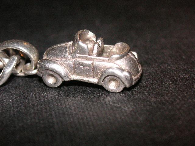 A pure silver Bug necklace jewel!