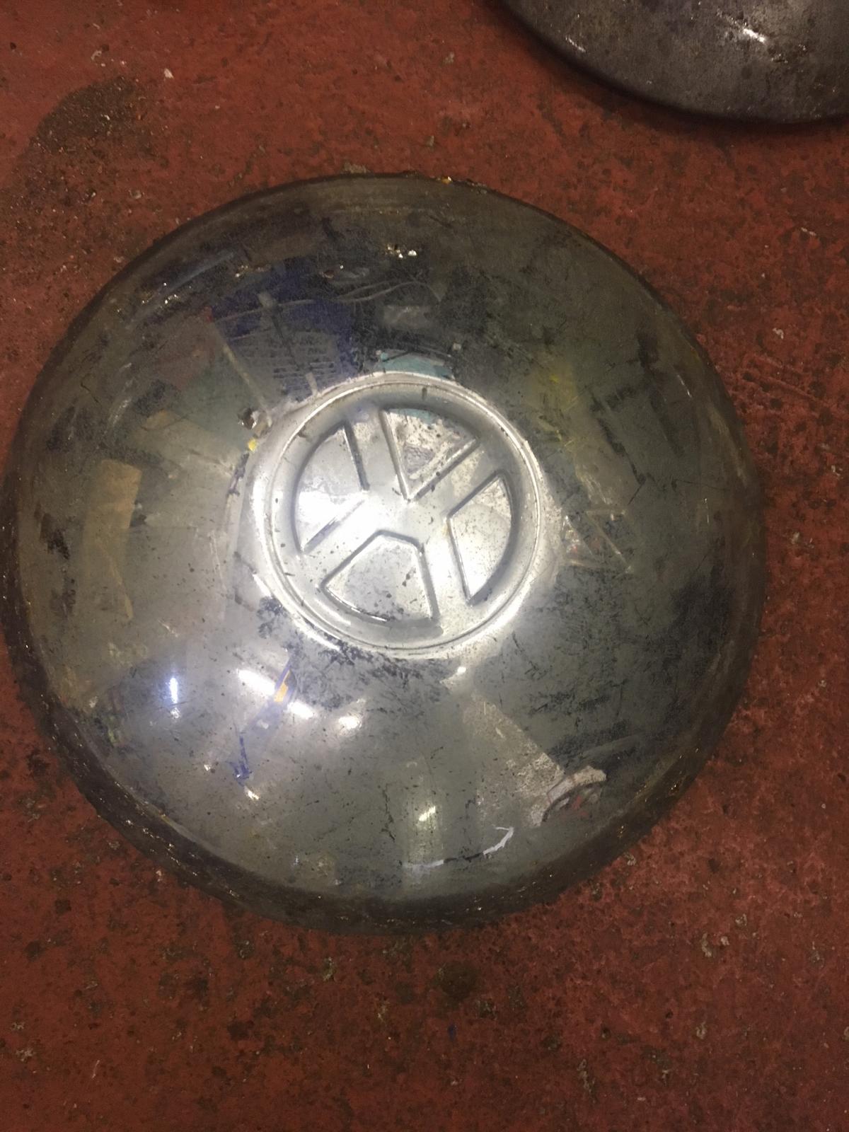 Unidentified hubcap