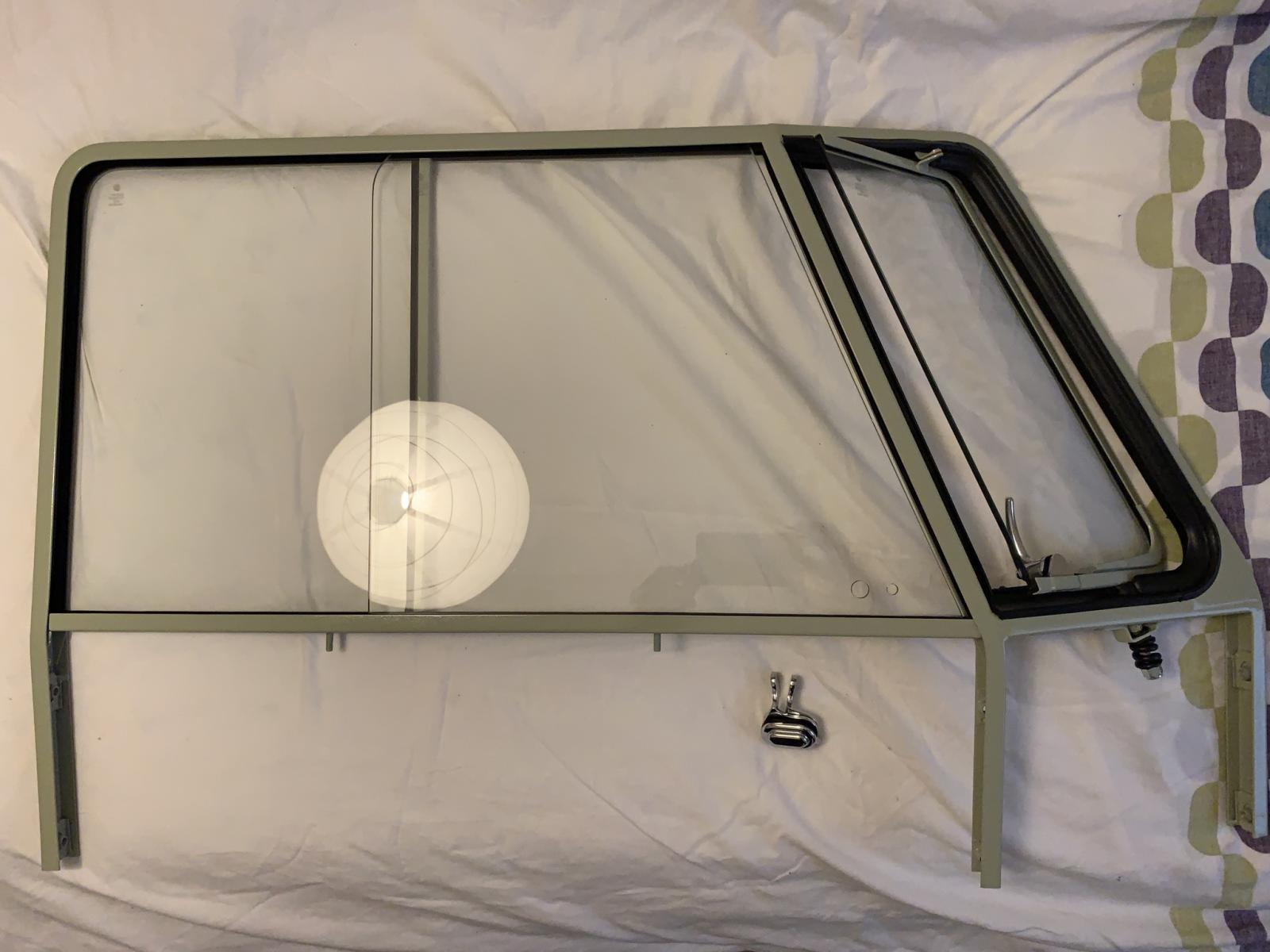 Vent window assembly