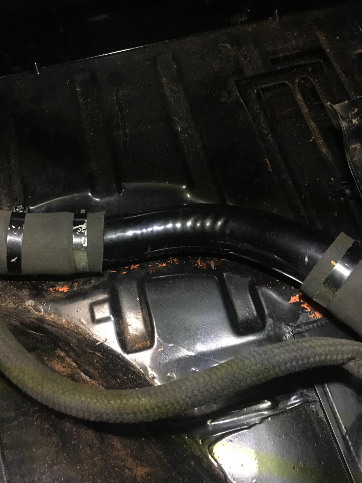 Thing gas filler tube