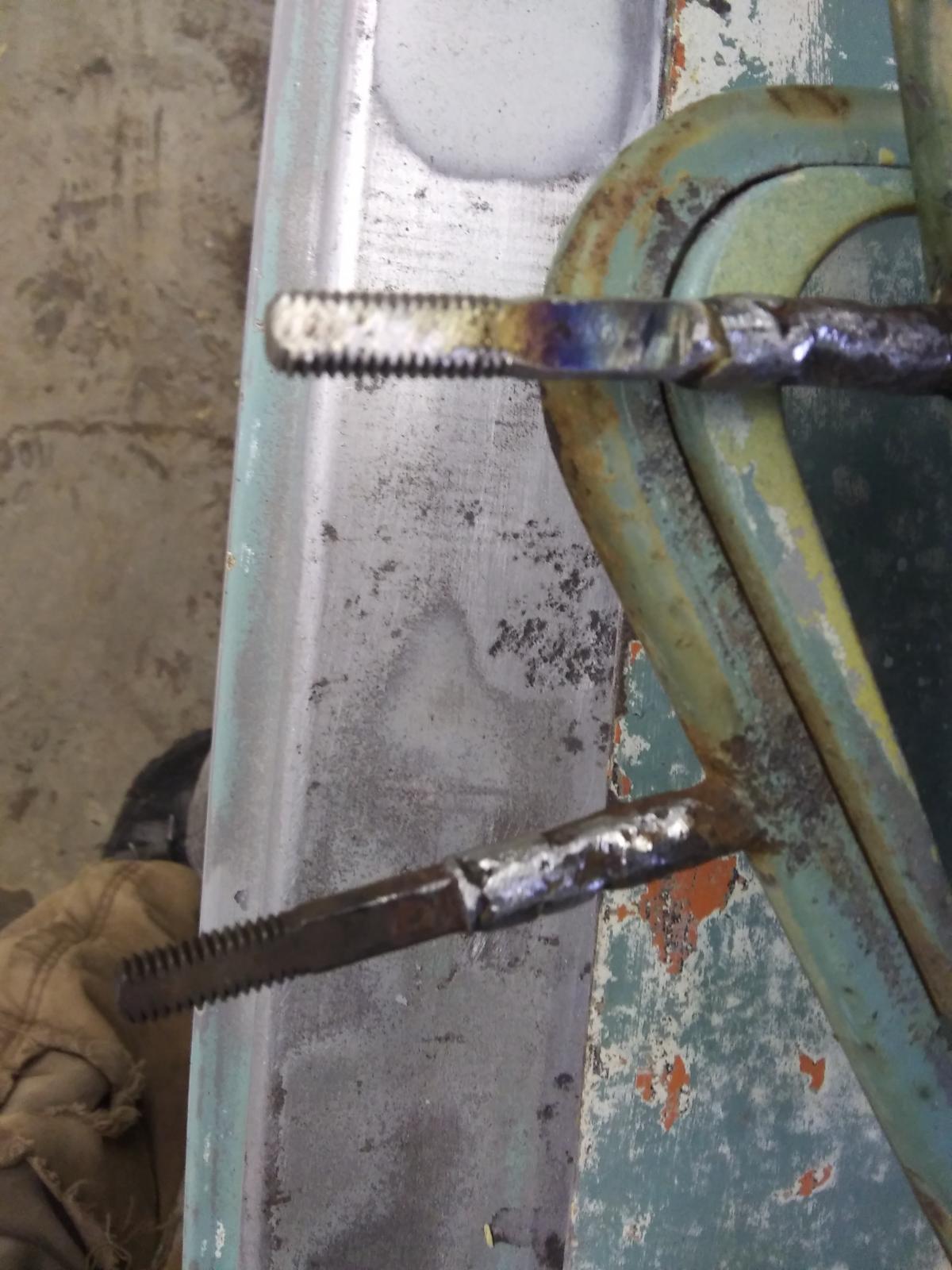vent wing pivot repair