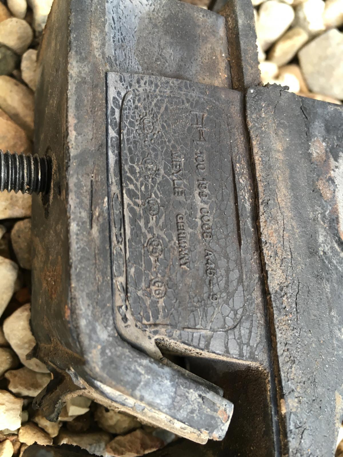 Motor mount leaned