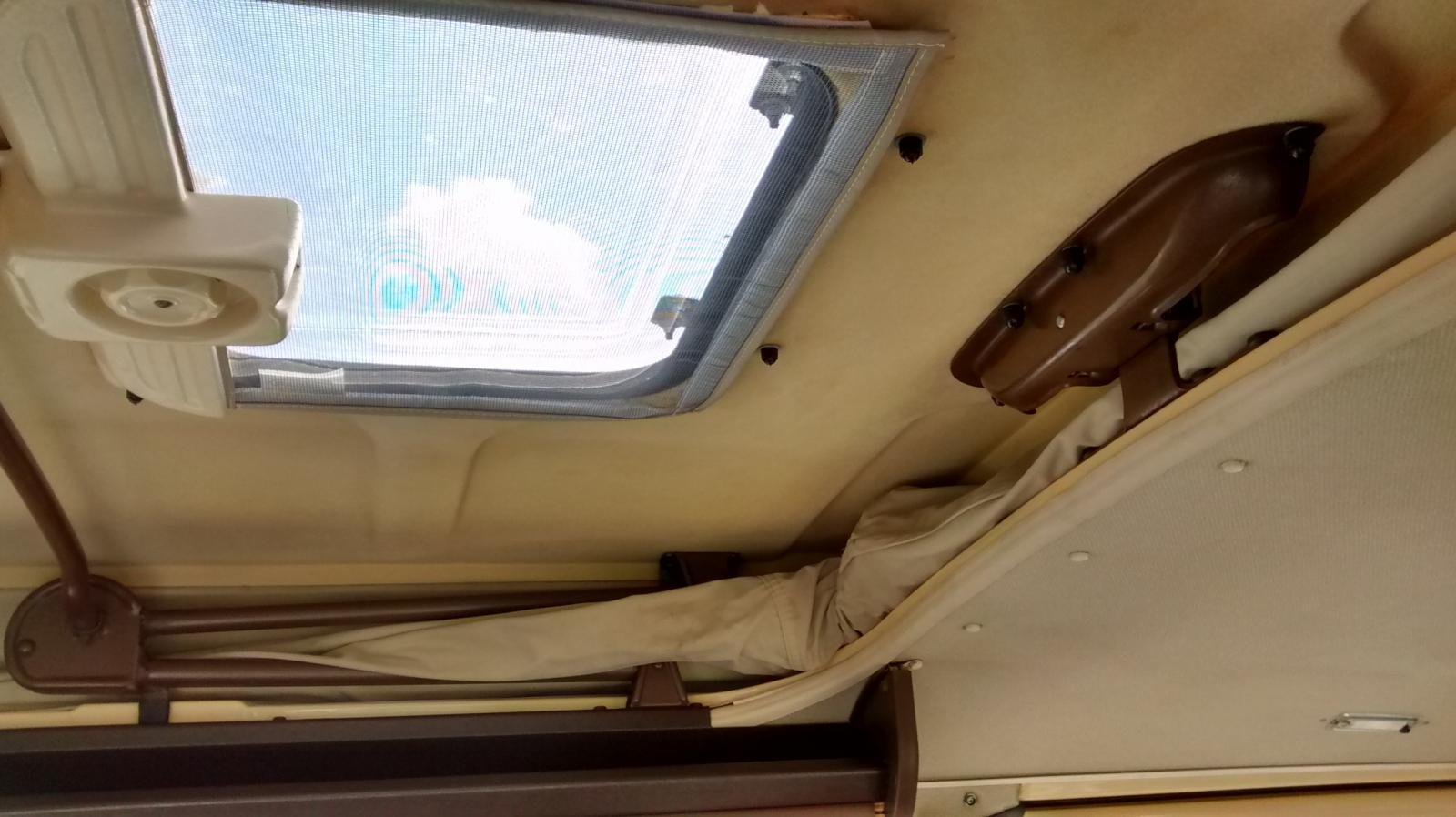 new screen for Westfalia skylight - no flap