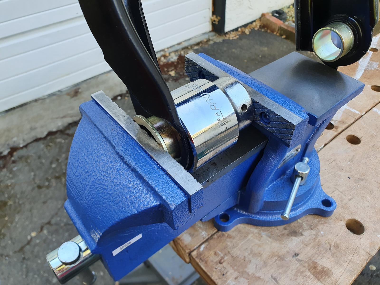Upper control arm painting