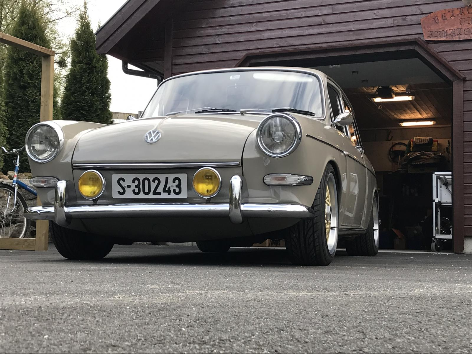 Squareback at the cabin