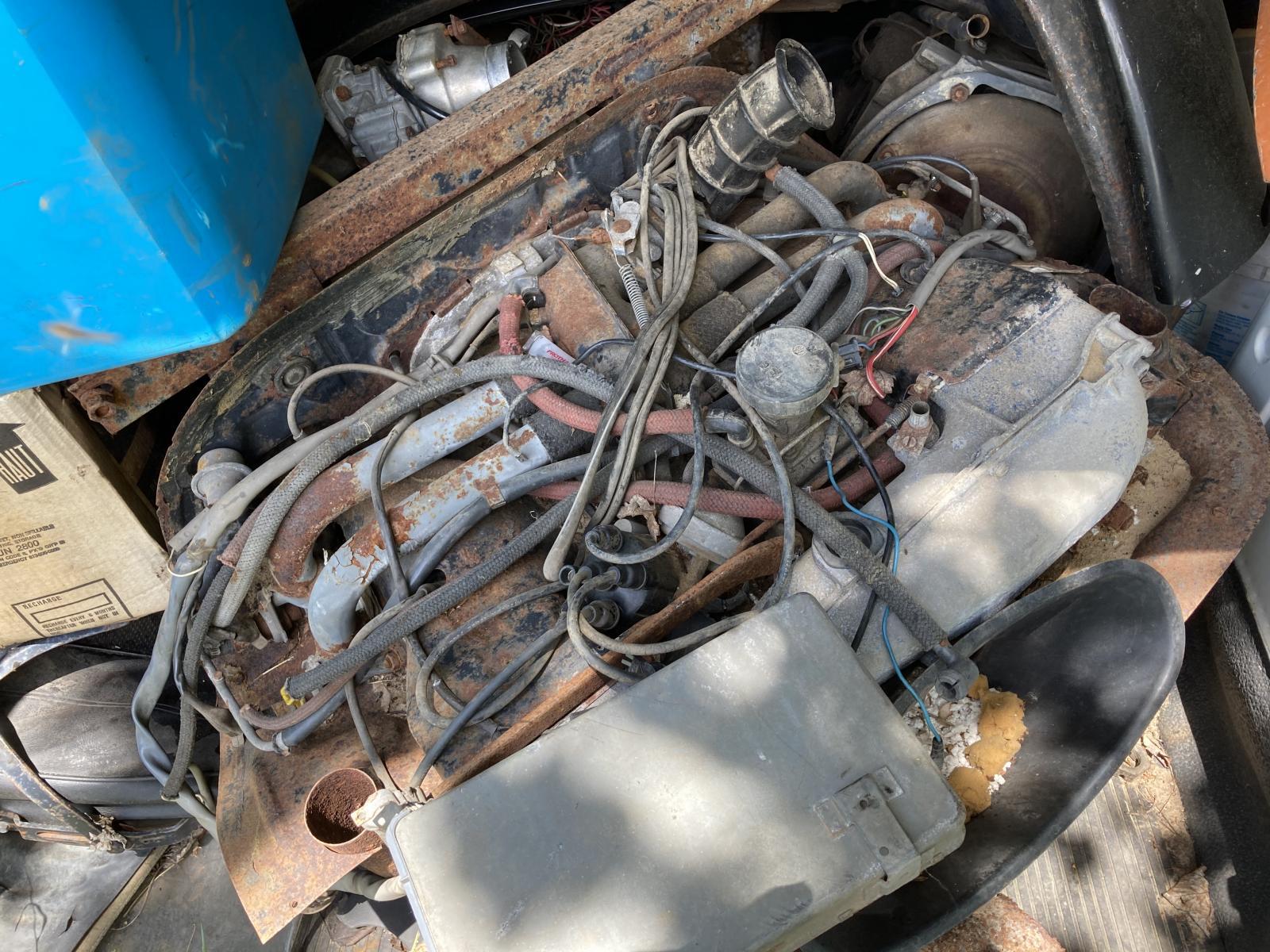 Type 4 engine Fuel-Injection at junkyard