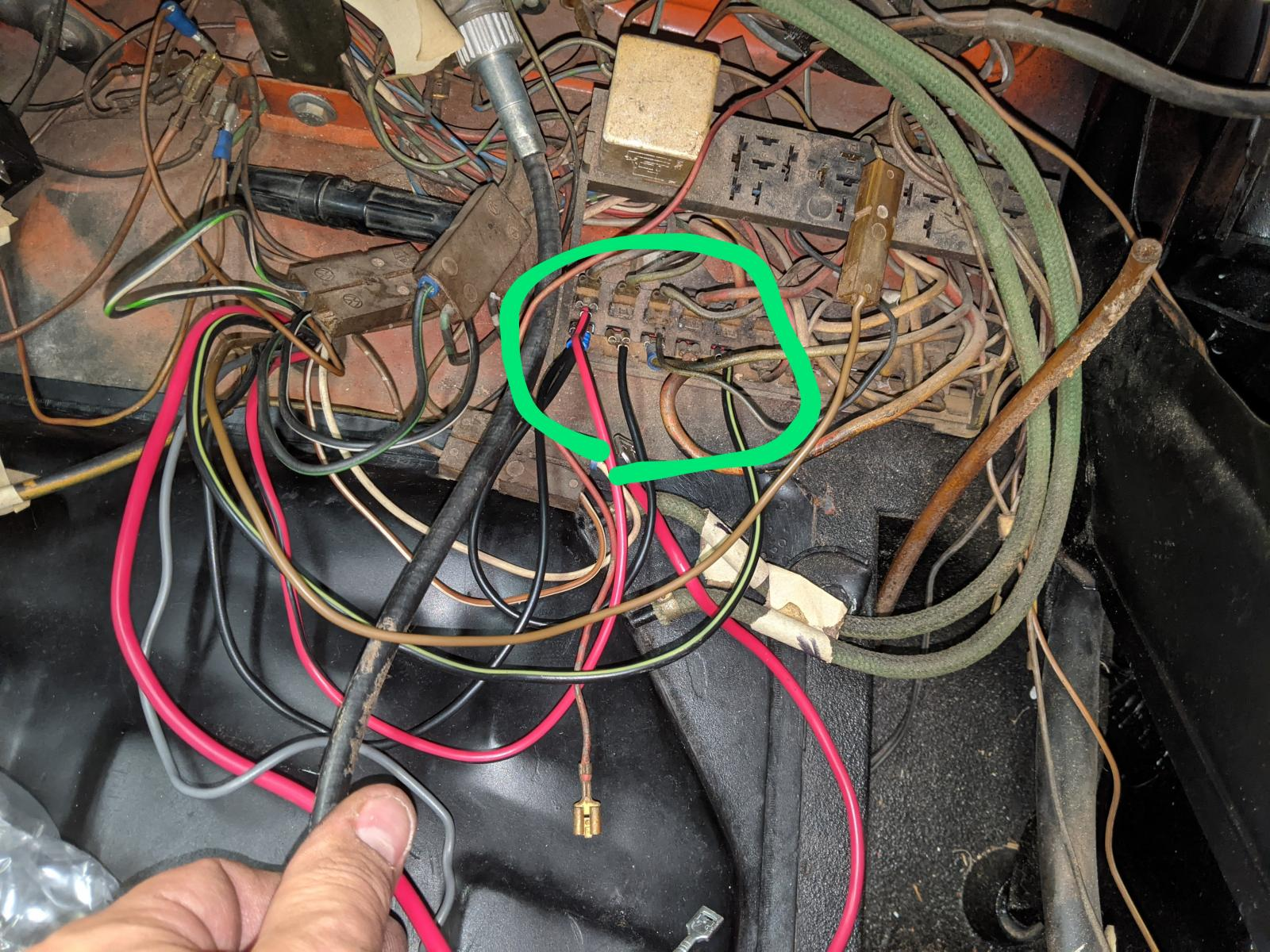 Super 71 Fuse box issue