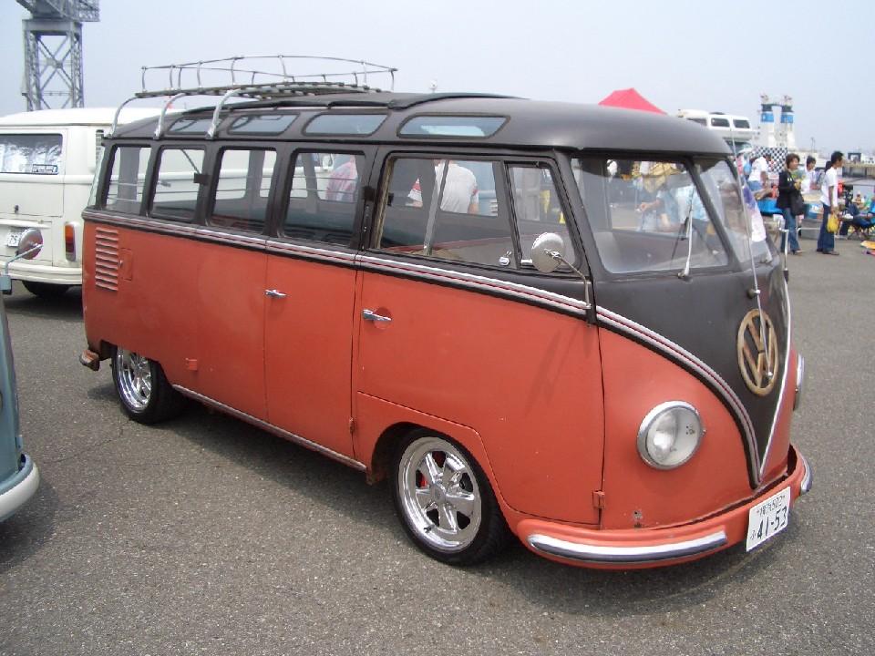 1956 Deluxe Bus