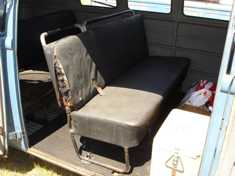 Lowered '55 Kombi 6-leg middle seat