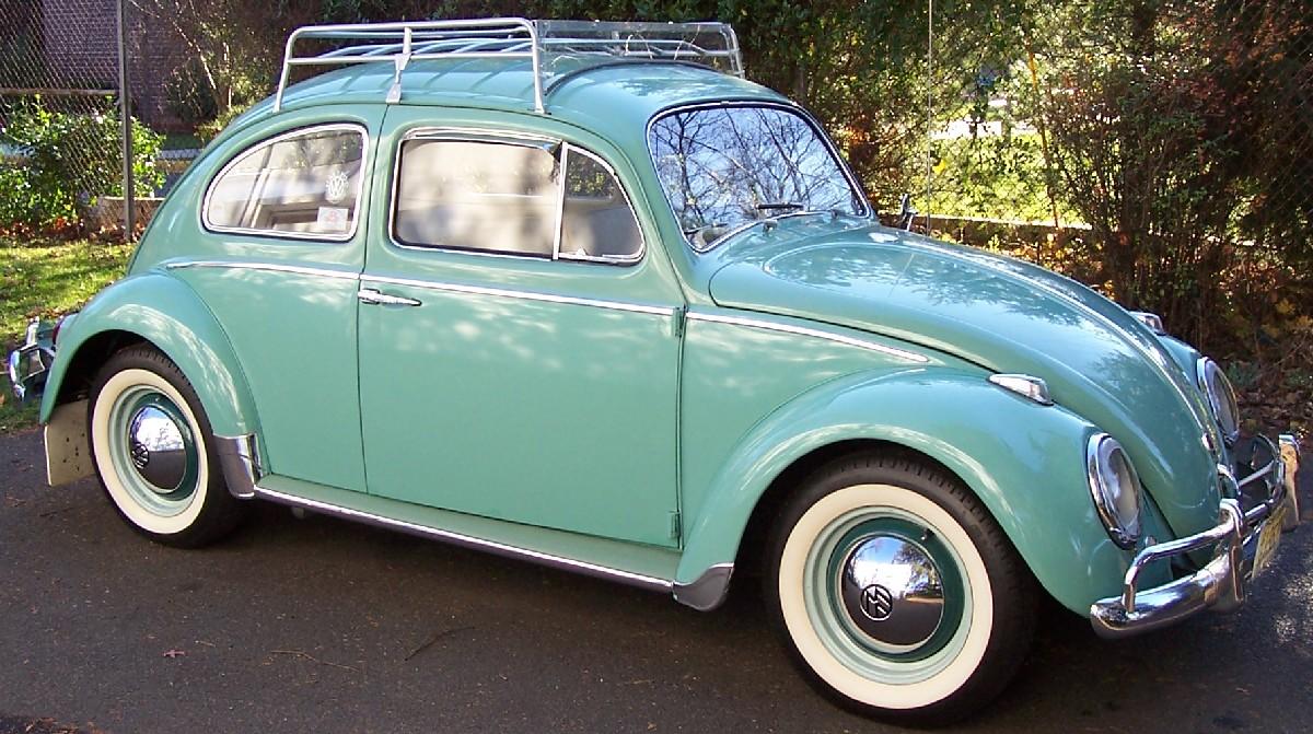 1962 Deluxe L380 Turquoise Sedan