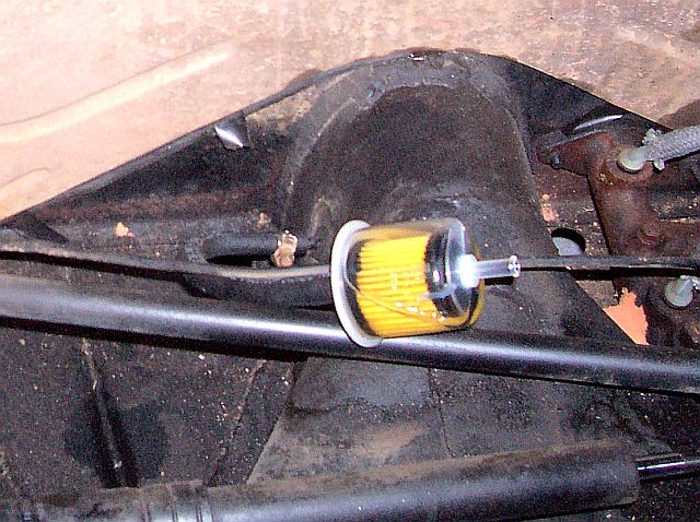 TheSamba.com :: Beetle - Late Model/Super - 1968-up - View topic - Pic of fuel  filter under tank required.The Samba