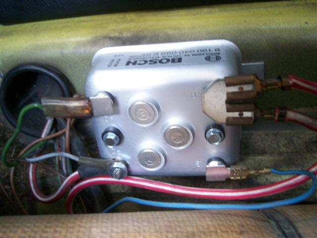 Vw Beetle Battery Fuse Box Map as well Ign Plug besides Bus together with Bug likewise . on vw beetle generator wiring diagram